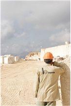 /picture/Quarry/201311/41504/bucak-karaseki-travertine-quarry-quarry1-1995B.JPG