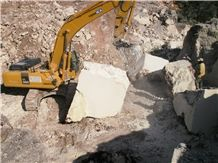 /picture/Quarry/201311/59145/limra-beige-limestone-quarry-quarry1-2005B.JPG
