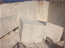 /picture/Quarry/201312/103328/iran-royal-cream-marble-quarry-quarry1-2044B.JPG