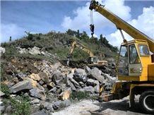 /picture/Quarry/201401/74788/yunnan-lava-stone-quarry-quarry1-2117B.JPG