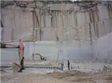 /picture/Quarry/201402/101474/g687-chinese-peach-red-granite-quarry-quarry1-2168B.JPG
