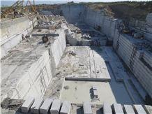 /picture/Quarry/201402/92631/china-brown-granite-china-caledonia-granite-quarry-quarry1-2163B.JPG