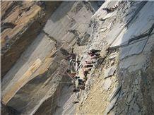 /picture/Quarry/201403/106507/jiangxi-black-slate-quarry-quarry1-2261B.JPG