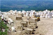/picture/Quarry/201403/106824/golden-crystal-marble-quarry-quarry1-2216B.JPG