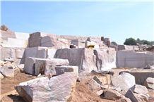 /picture/Quarry/201403/108518/kesripura-kesri-red-granite-quarry-quarry1-2259B.JPG