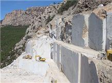 /picture/Quarry/201403/10954/turkey-crema-perla-limestone-quarry-quarry1-2196B.JPG