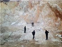 /picture/Quarry/201404/109080/snow-white-marble-pebble-stone-quarry-quarry1-2296B.JPG