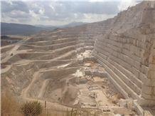 /quarries-2311/crema-marfil-coto-marble-quarry