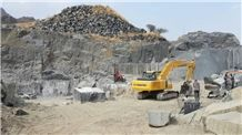 /picture/Quarry/201404/109403/ykd-black-granite-pon-black-granite-quarry-quarry1-2316B.JPG