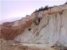 /picture/Quarry/201404/26173/turkey-golden-cream-marble-quarry-quarry1-2326B.JPG