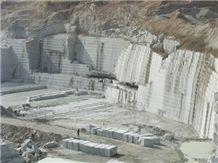 /picture/Quarry/201405/109943/zhaoyuan-yingli-zhaoyuan-pearl-flower-granite-quarry-quarry1-2368B.JPG