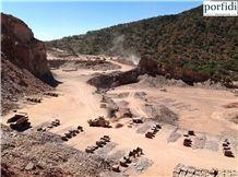 /quarries-2412/mexico-red-porphyry-quarry