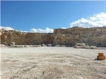/picture/Quarry/201405/78145/thala-beige-limestone-quarry-quarry1-2414B.JPG