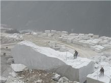 /picture/Quarry/201406/109231/oriental-white-marble-quarry-quarry1-2487B.JPG