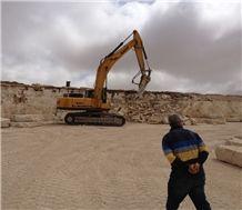 /picture/Quarry/201406/110779/grey-foussana-grigio-oriente-limestone-quarry-quarry1-2437B.JPG