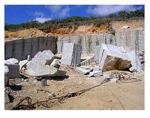 /picture/Quarry/201406/81695/santa-cecilia-light-granite-quarry-quarry1-2481B.JPG
