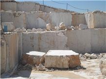 /picture/Quarry/201407/111325/riviera-beige-marble-quarry-quarry1-2521B.JPG