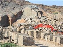 /picture/Quarry/201408/23478/desert-brown-granite-quarry-quarry1-2586B.JPG