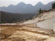 /picture/Quarry/201409/112730/zhonggui-royal-beige-marble-quarry-quarry1-2637B.JPG