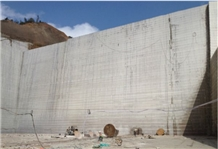 /picture/Quarry/201410/80848/g687-peach-pink-graniteg687-peach-pink-granite-quarry1-2682B.PNG