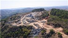 /picture/suppliers/201411/19510/candeias-green-granite-own-quarry-quarry1-2760B.JPG