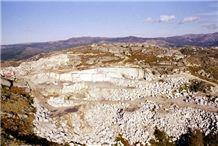 /picture/suppliers/201411/30567/gran-perla-granite-quarry-located-in-cabeceiras-quarry1-2766B.JPG
