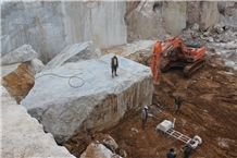 /picture/suppliers/20151/116633/tundra-grey-marble-quarry-quarry1-2952B.JPG