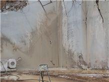 /quarries-2454/nanovitsa-limestone-deposit