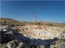 /picture/suppliers/201511/124952/dazzle-onyx-quarry-quarry1-3857B.JPG