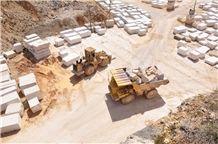 /quarries-3009/kanfanar-verona-beige-limestone-quarry