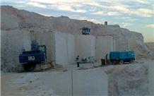 /picture/suppliers/20152/117121/golden-cream-marble-quarry-quarry1-2976B.JPG