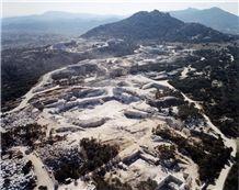 /picture/suppliers/20152/117153/blanco-cristal-granite-quarry-quarry1-3017B.JPG