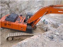 /picture/suppliers/20152/73208/kashmir-white-granite-quarry-quarry1-2982B.JPG