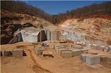 /picture/suppliers/20153/118036/agata-granite-quarry-quarry1-3058B.JPG