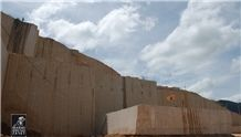/picture/suppliers/20153/23098/new-venetian-gold-granite-quarry-quarry1-3080B.JPG