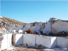 /picture/suppliers/20155/119838/elite-light-beige-marble-quarry-quarry1-3300B.JPG