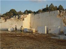 /picture/suppliers/20155/120077/cream-royal-marble-golpazari-quarry-quarry1-3317B.JPG