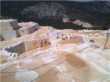 /picture/suppliers/20155/55589/skyros-golden-sky-marble-quarry-quarry1-3332B.JPG