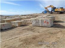 /picture/suppliers/20156/10398/thala-beige-limestone-quarry-quarry1-877B.JPG