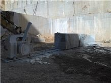 /picture/suppliers/20156/120933/kavala-semi-white-marble-quarry-quarry1-3415B.JPG