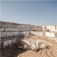 /picture/suppliers/20156/18411/fantastic-silver-travertine-quarry-quarry1-3383B.JPG