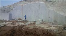 /picture/suppliers/20159/123302/colonial-white-granite-quarry-quarry1-3706B.JPG