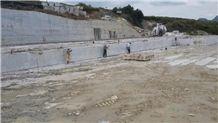 /picture/suppliers/20159/123518/multi-grey-granite-quarry-quarry1-3742B.JPG