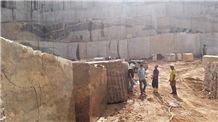 /picture/suppliers/20159/1844/juparana-crema-bordeaux-granite-quarry-quarry1-3648B.JPG