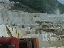 /picture/suppliers/20159/24731/kavala-white-marble-kavala-semi-white-marble-quarry-quarry1-2396B.JPG