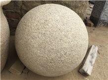 G682 Rusty Yellow Granite Parking Stone Ball,
