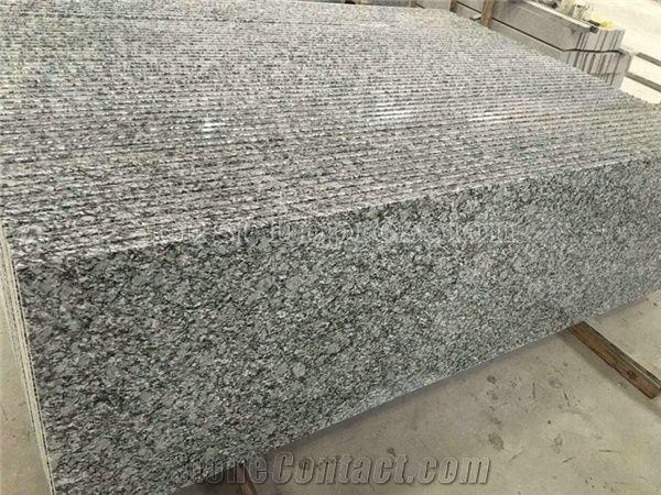 Spray White Granite Countertops Breaking Waves White Wave