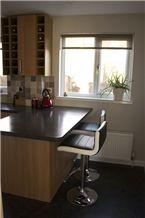 New Color Quartz Stone Table Top Design&Pure Black Absolute Black Quartz Stone Slabs and Tiles for Kitchen Countertops&Polished Quartz Surfaces Table Tops&Black Quartz Stone Desktop