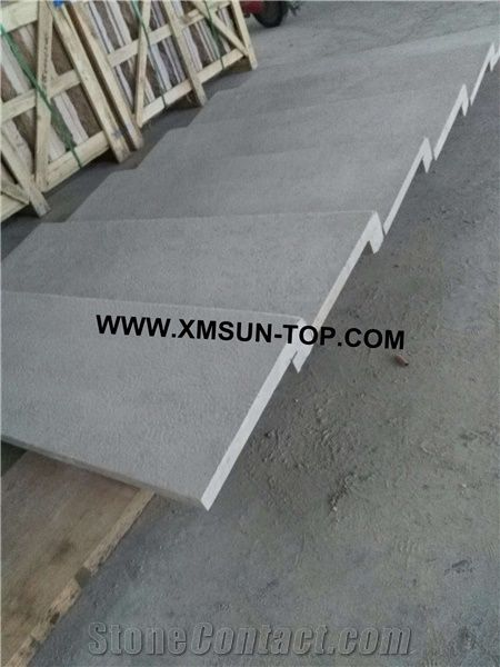 Bush Hammered Grey White Limestone Steps/ Greyish White Limestone Stair  Riser/Pale Lime Stone Stair Treads/Grey Limestone Staircase/Natural Stone  Stair