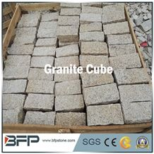 China Rustic Yellow Granite G682 Cobbles, Desert Gold G3582 Granite Paving Stone,China Gold Leaf Granite Cube Stone, Yellow Rock Padang Yellow Granite Cobbles Split Tumbled Surface